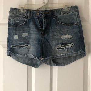 Low rise, comfy not form fitting boyfriend jean